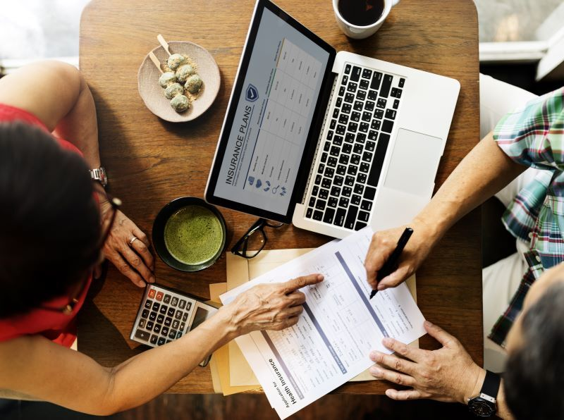reviewing long term care insurance vs life insurance